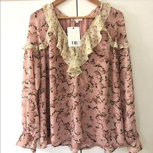 Daniel Rainn Boho long sleeves floral blouse
